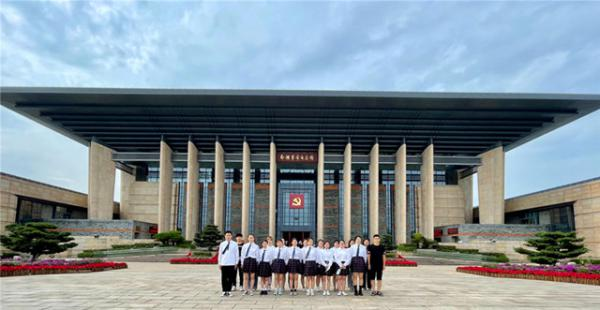 凝望历史 照见初心:参观南湖革命纪念馆《红船启航》主题展,秀水学子这样说......